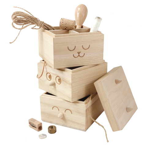 Totem box Studio Arhoj